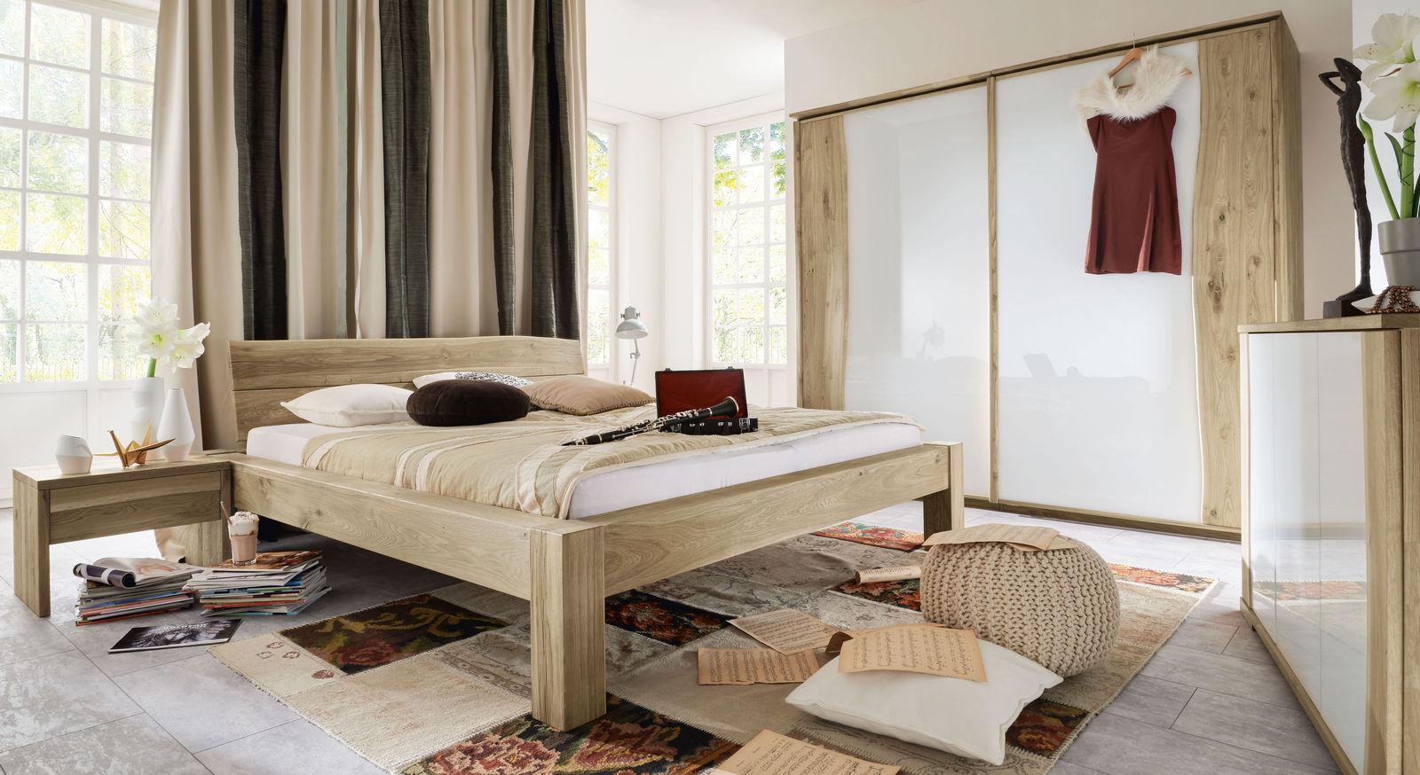 Reihe Imst aus Wildeiche mit passenden Möbeln