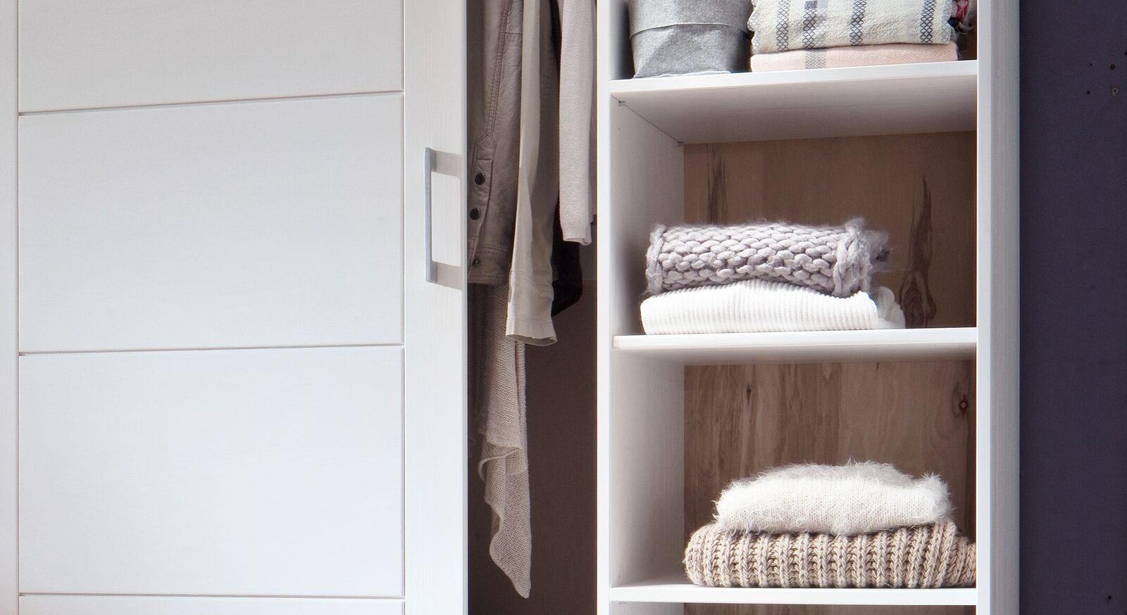 Schiebetüren-Kleiderschrank Ottena inklusive Einlegeböden