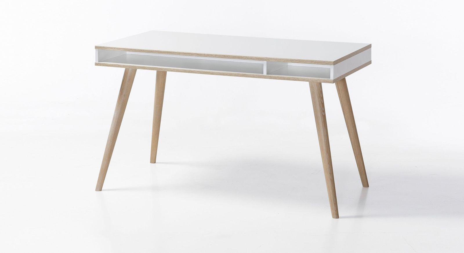 Schreibtisch Beano mit massiven Eschefüßen
