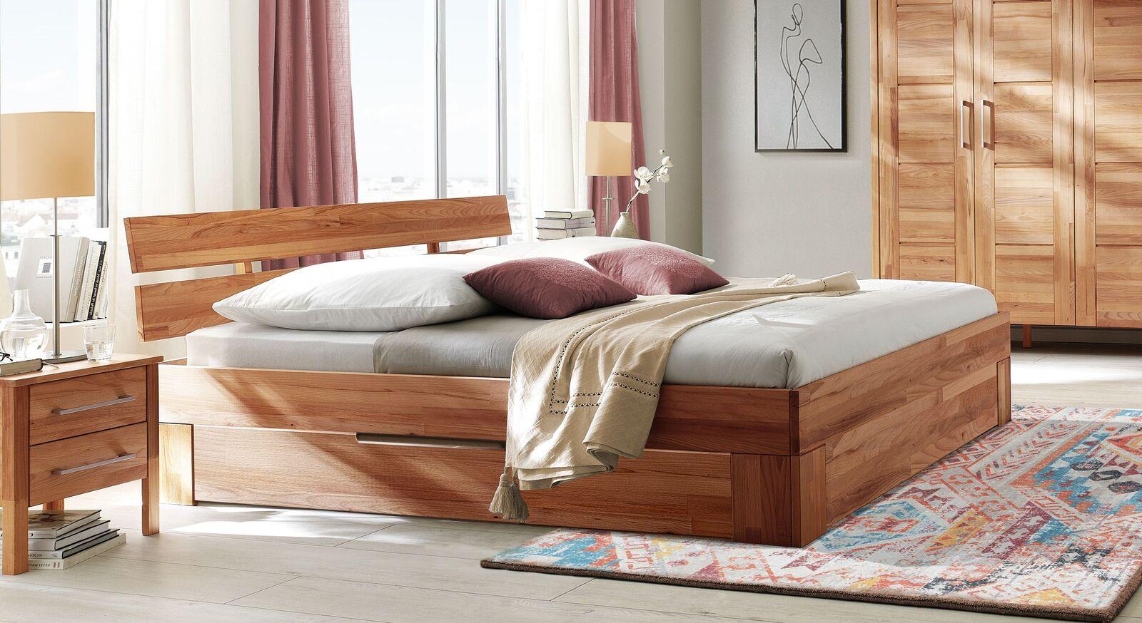 Schubkasten-Bett Halvar aus geölter Kernbuche