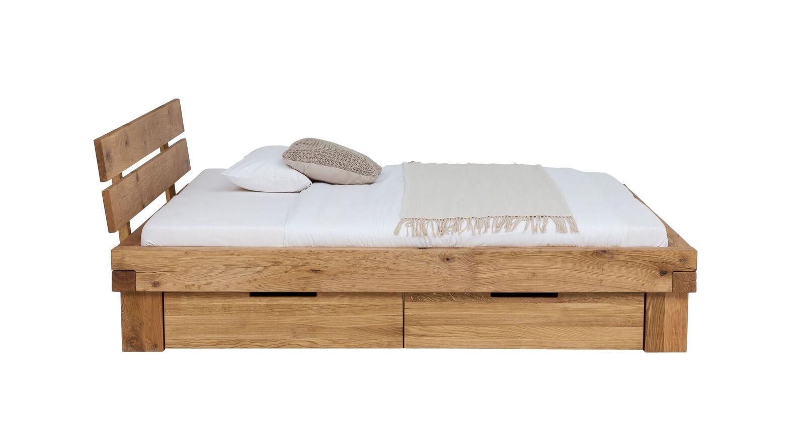 Bett Tomba inklusive geräumigen Schubkästen