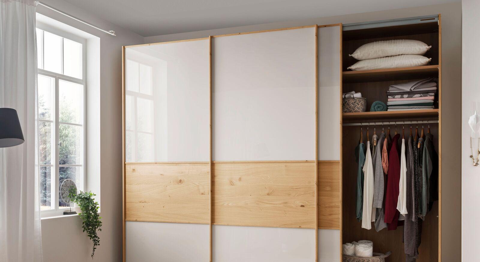 Schwebetüren-Kleiderschrank Corato mit Basic-Innenausstattung