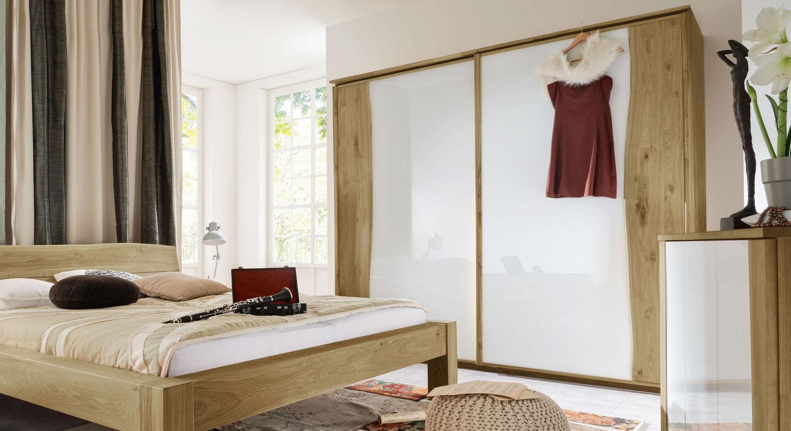 Schwebetüren-Kleiderschrank Imst aus biologisch geölter Wildeiche