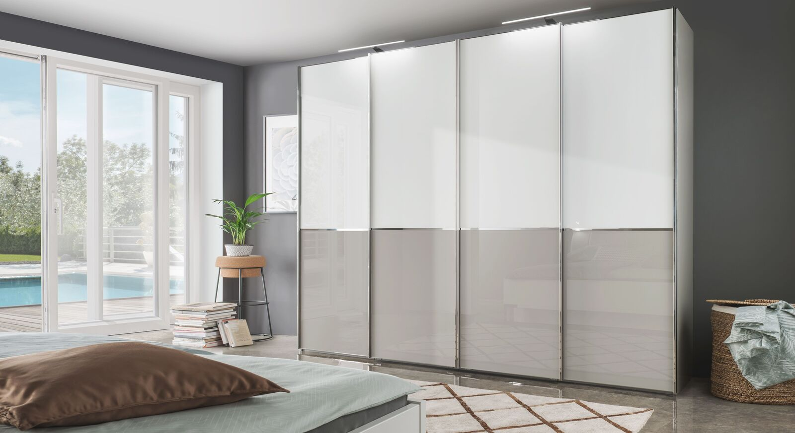 Schwebetüren-Kleiderschrank Shanvalley mit moderner Glasfront