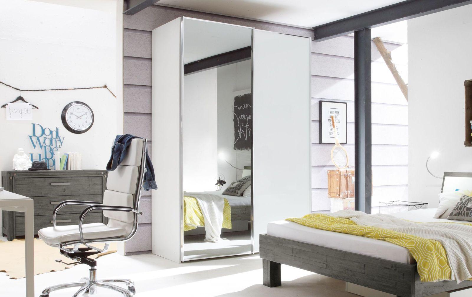 Schwebetüren-Kleiderschrank Sudbury mit praktischer Spiegeltüre