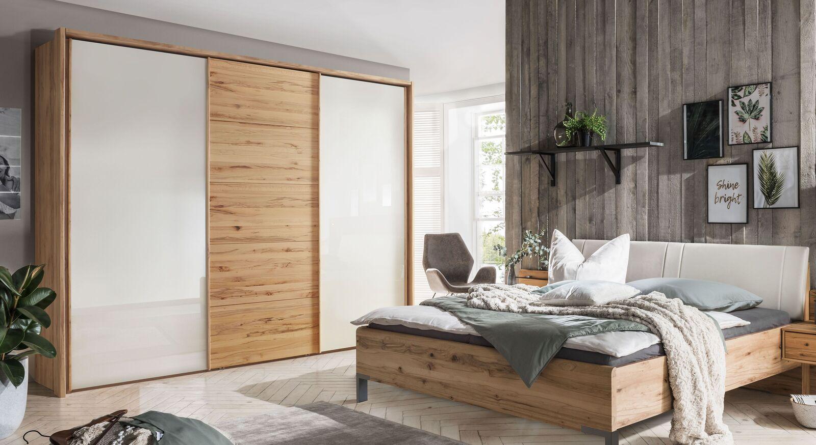 Schwebetüren-Kleiderschrank Leandra mit hochwertigen Glastüren