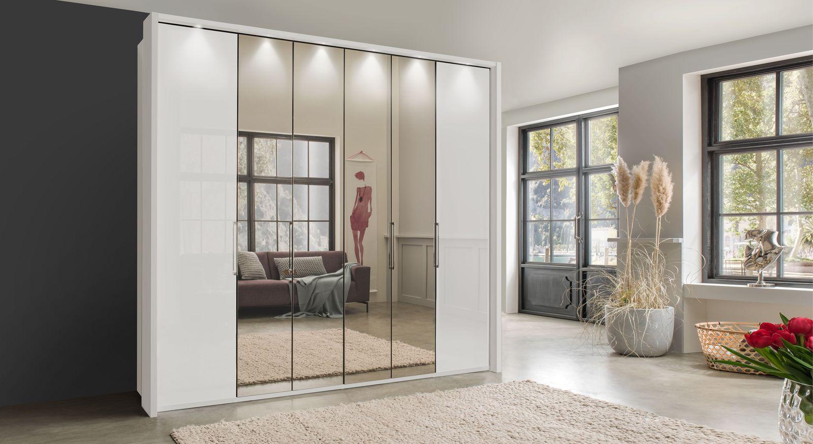 Spiegel-Falttüren-Kleiderschrank Westville in Alpinweiß mit Passepartoutrahmen und Beleuchtung