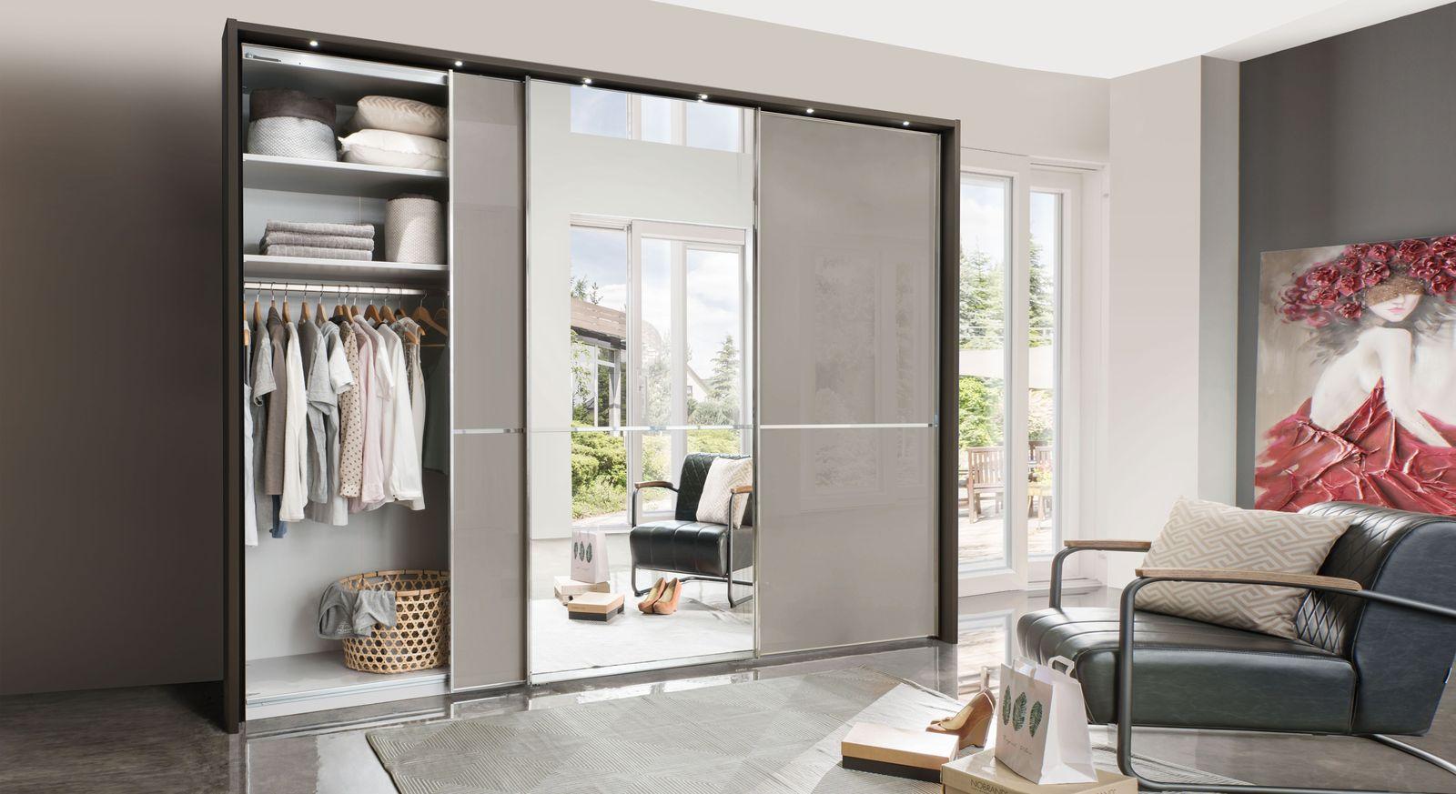 Spiegel-Kleiderschrank Butaco mit Innenausstattung