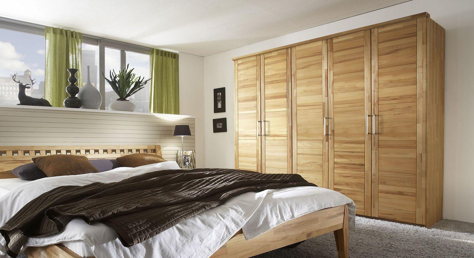 Stilvoller Drehtüren-Kleiderschrank Kiran aus Massivholz