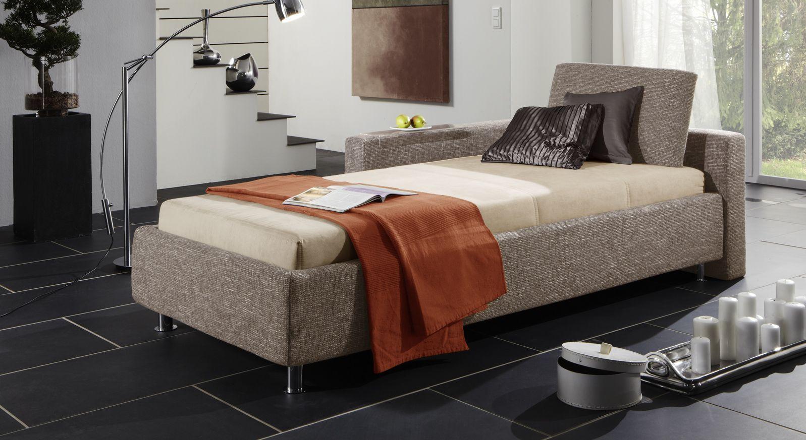 Studioliege Graziano in graubeigem Webstoff mit Bettkasten