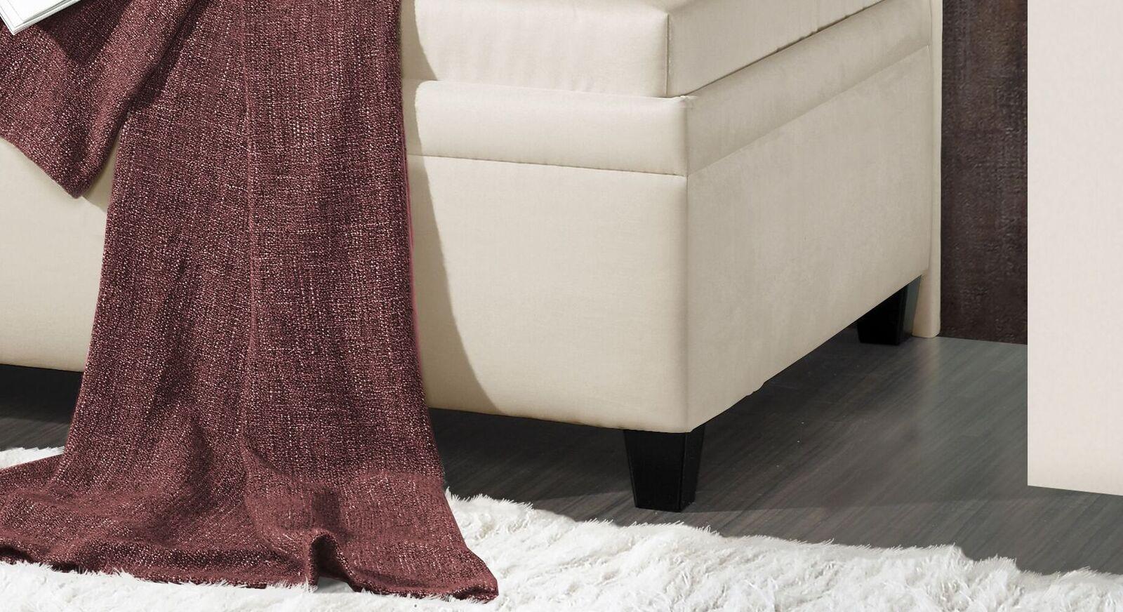 Studioliege Kamina Komfort mit schwarzen Holzfüßen