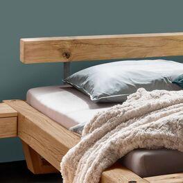 Modernes Balkenbett Maramis mit elegantem Kopfteil