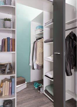 Begehbarer Eck-Kleiderschrank Facundo oben geöffnet