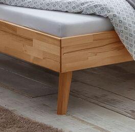 Bett Albin mit schlanken Kernbuchenholz-Bettbeinen