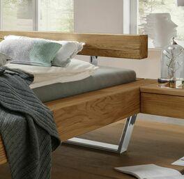 Bett Dalcos Kopfteil mit innovativem Design