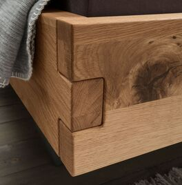 Bett Fillin mit stabilem Bettrahmen aus Massivholz