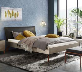 Bett Istari in angesagtem Materialmix