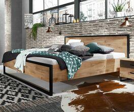 Bett Lakewood im Industrial Design aus Plankeneiche-Dekor