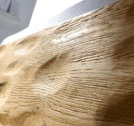 Bett Mossa mit rustikaler Maserung