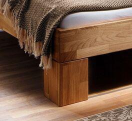 Bett Pasjas Eckfüße aus Holz