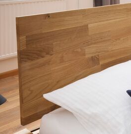 Bett Pasja mit Kopfteil aus massivem Echtholz