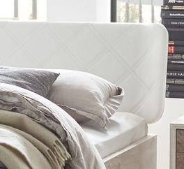 Bett Ranua mit moderner Kopfteil-Steppung