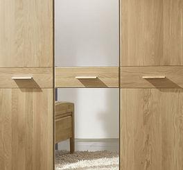 Drehtüren-Kleiderschrank Agaro mit integriertem Spiegel