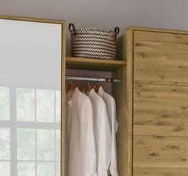 Rustikaler Drehtüren-Kleiderschrank Vacallo mit Zwischenböden