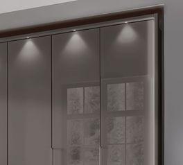 Funktions-Kleiderschrank Southville mit innovativer Glasfront