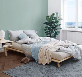 Preiswertes Futonbett Nespolo aus Echtholz
