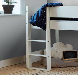 Halbhohes Bett Tacora mit gerader Leiter