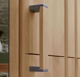 Stabiler Holzgriff mit Metall-Einsatz