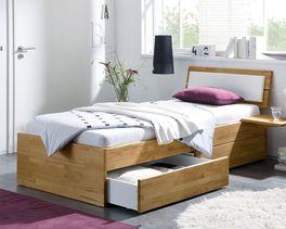 Schubkasten-Bett Leova aus massivem Holz