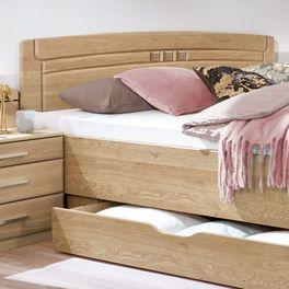 Komfort-Doppelbett Bloomfield mirt Einfräsungen im Kopfteil