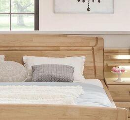 Komfort-Doppelbett Temara mit Zierfräsungen im Kopfteil