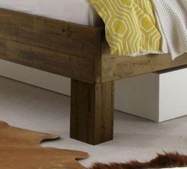 Robuste Liege Caldera mit massiven Holzfüßen