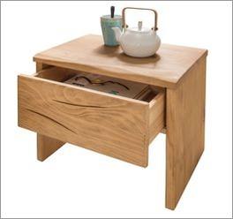 Fichten-Nachttisch aus geöltem Massivholz