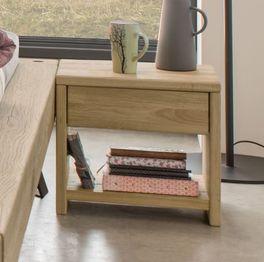 Massivholz-Nachttisch Vetralla mit Ablagefach