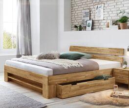 Schubkastenbett Kanata aus Wildeichenholz im natürlichen Look