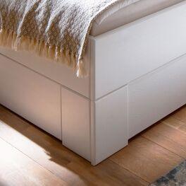 Schubkastenbett Ottena aus weiß lackiertem Fichtenholz