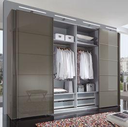 Türen mit Synchronöffnung vom Schwebetüren-Kleiderschrank Dilly