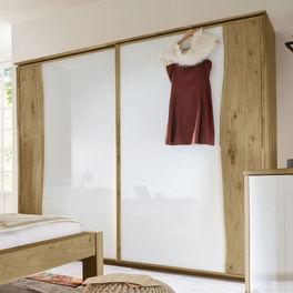 Schwebetüren-Kleiderschrank Imst aus Wildeiche mit moderner Glasfront