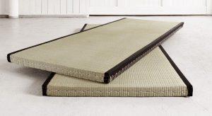 schlafen auf dem boden gesund oder ungesund worauf dabei achten. Black Bedroom Furniture Sets. Home Design Ideas