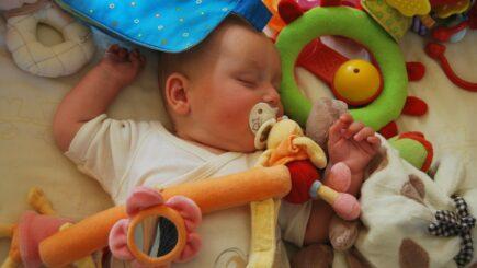 Schlafhilfen für Babys - worauf sollte man achten?