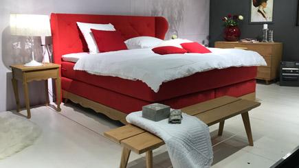 schlafzimmereinrichtung f r kleine r ume tipps. Black Bedroom Furniture Sets. Home Design Ideas